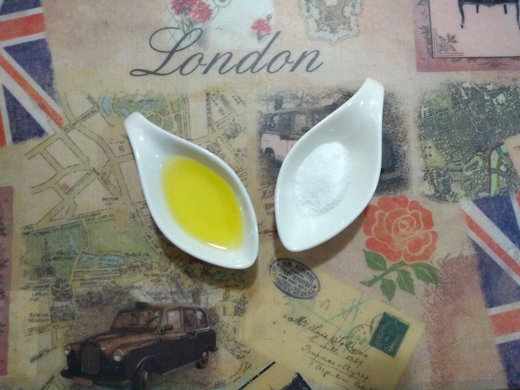 Sal y aceite de oliva