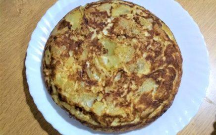 Tortilla de patata , con patatas hechas al horno