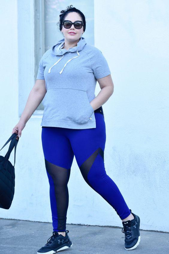Sudadera de media manga canguro increíble y leggins espectaculares.