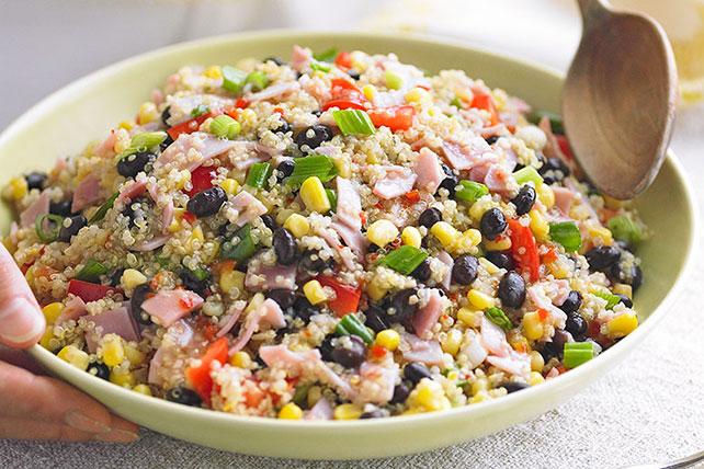 :nsalada de quinoa con jamón york y pasas.