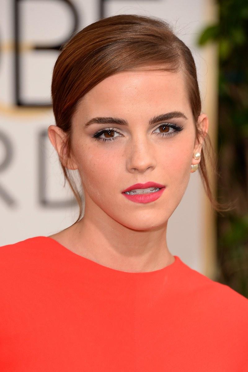 Emma Tomson con labios rosados, solo les falta algo de brillo para ser perfectos.