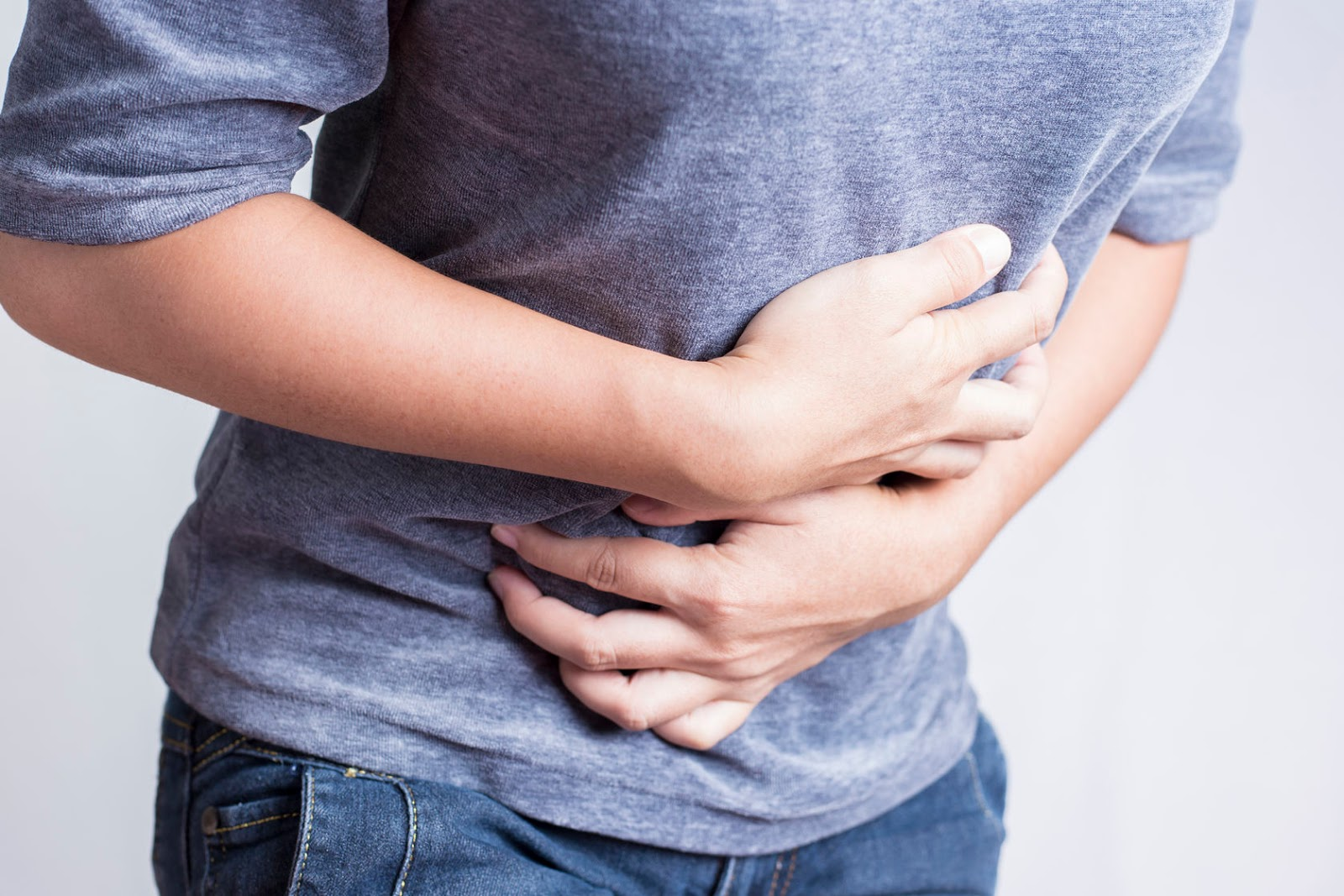 Dolores de estómago y problemas de gases son también comunes en la manga gástrica.