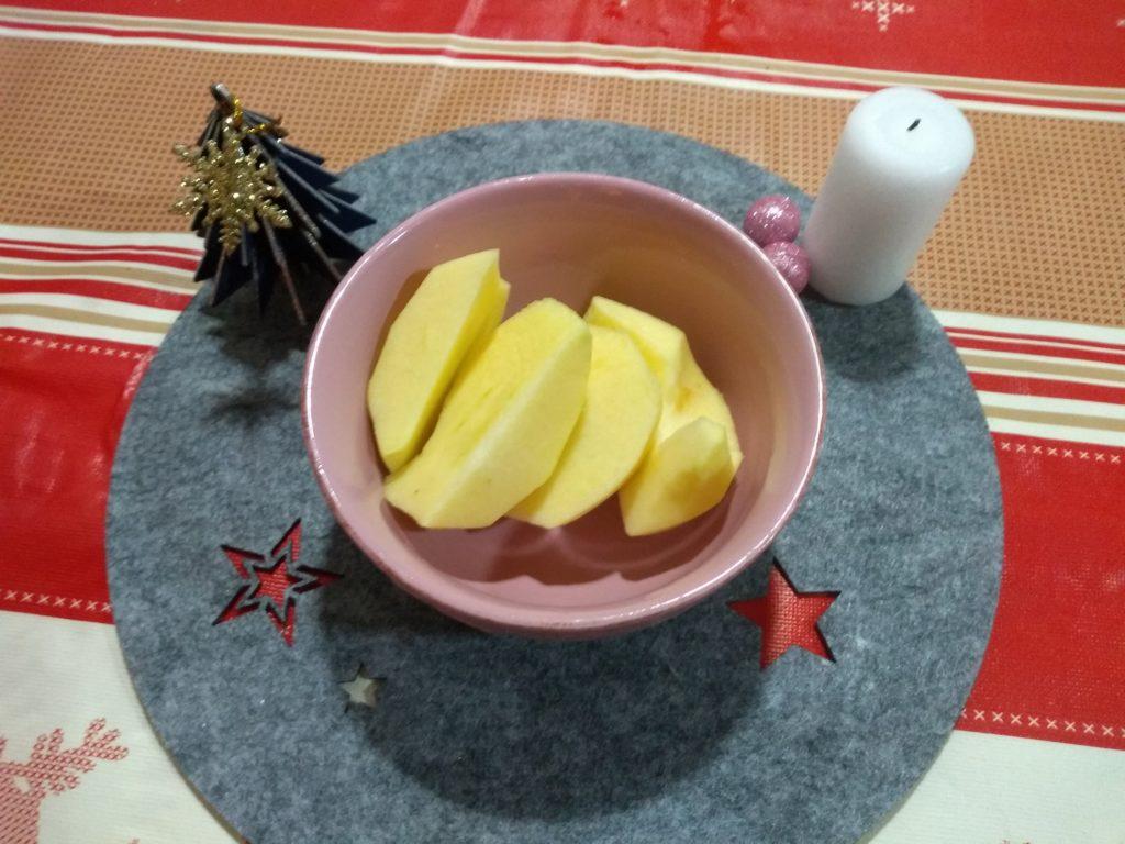 Manzana en trozos