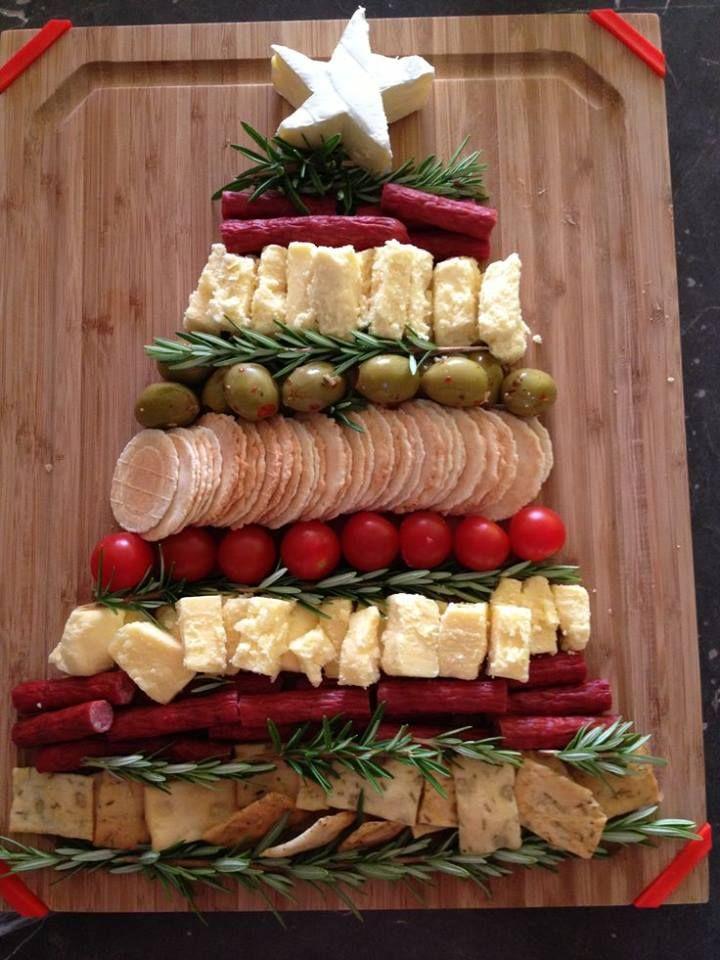 Tabla de entrantes en forma de árbol de Navidad. No engordar en Navidad ¡misión imposible!