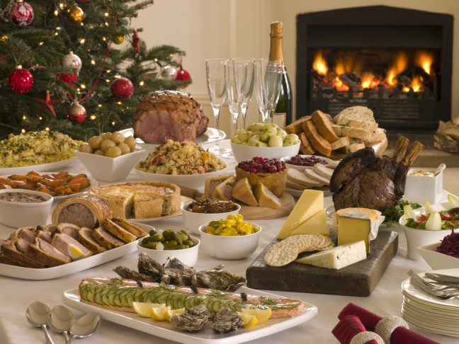 No engordar en Navidad ¡misión imposible! Mesa para comida navideña