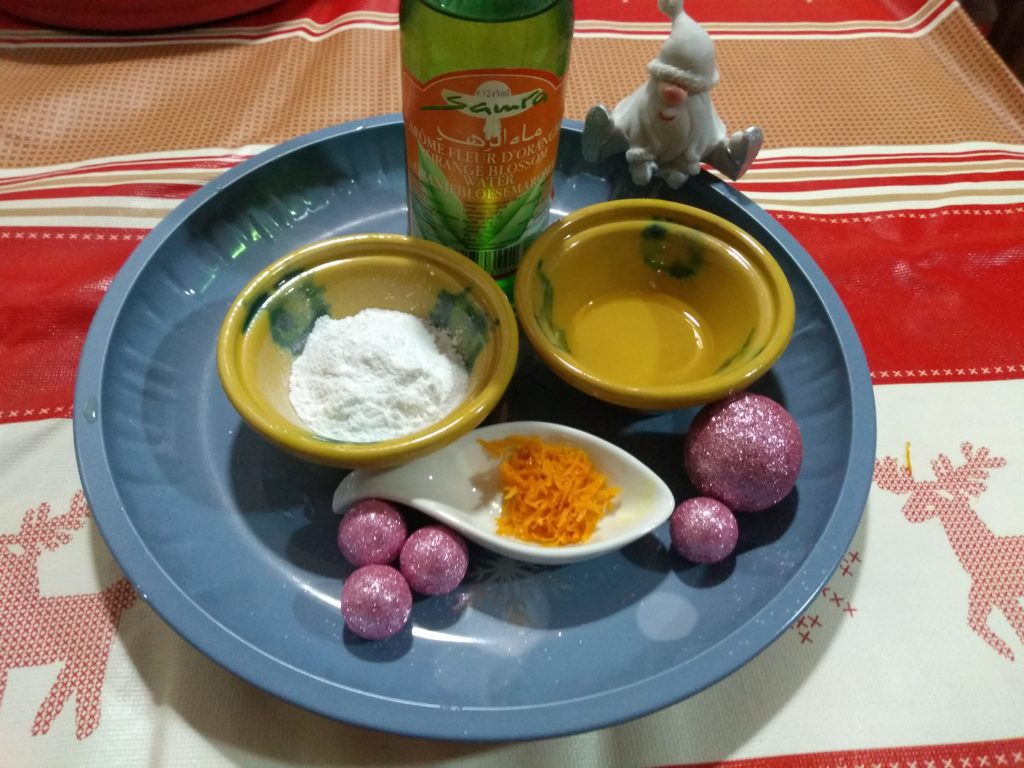 Levadura, agua de azahar y ralladura de naranja