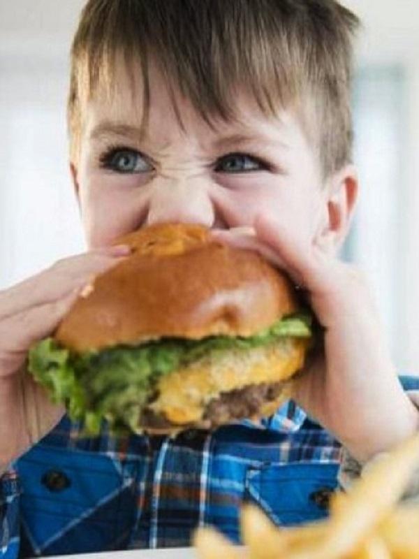 Fast food ¡la vía rápida para la enfermedad! problemas en infancia y adolescencia