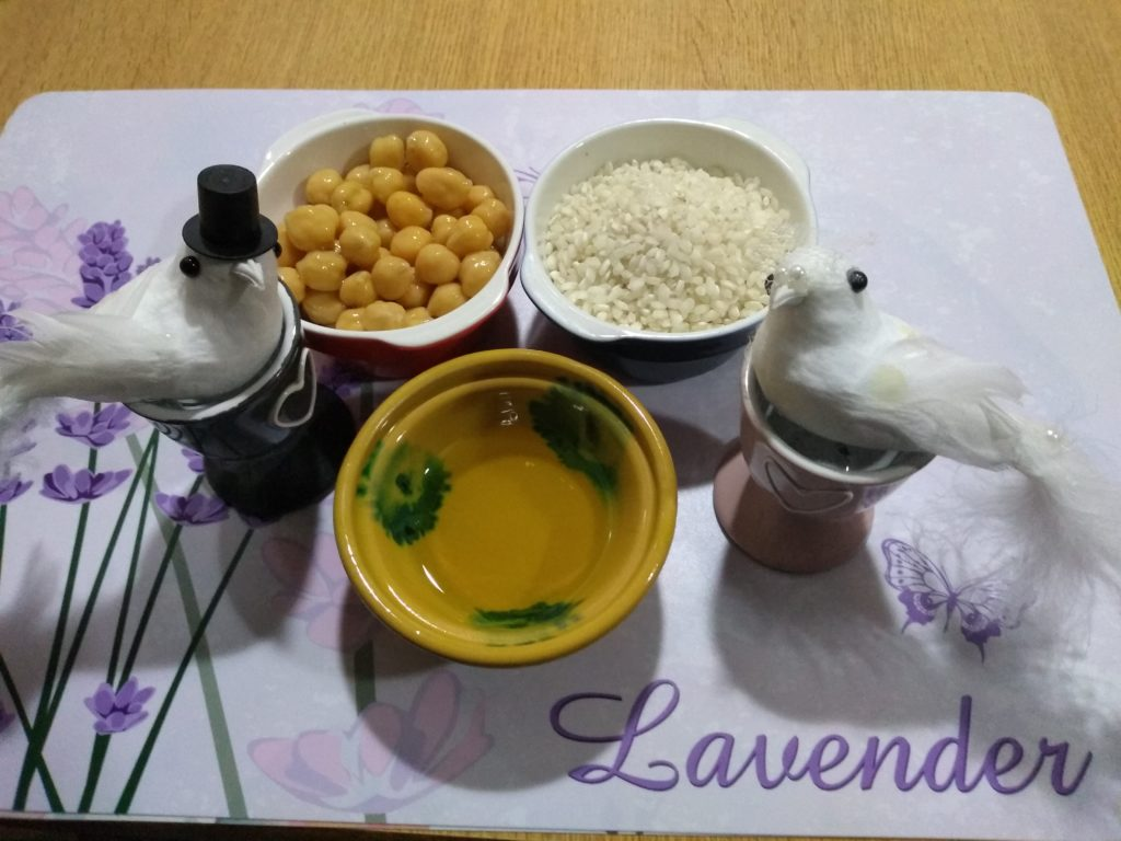 Arroz, aceite y garbanzos