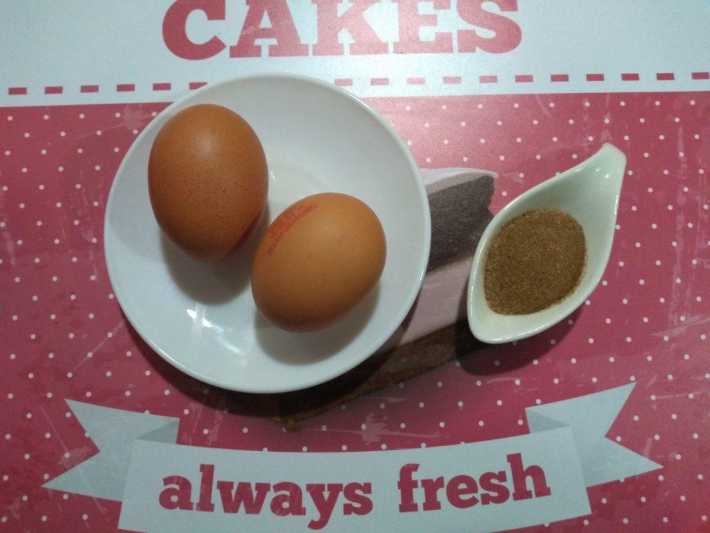 Dos huevos y canela