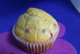 Muffins de frambuesas sin azúcar superesponjosos